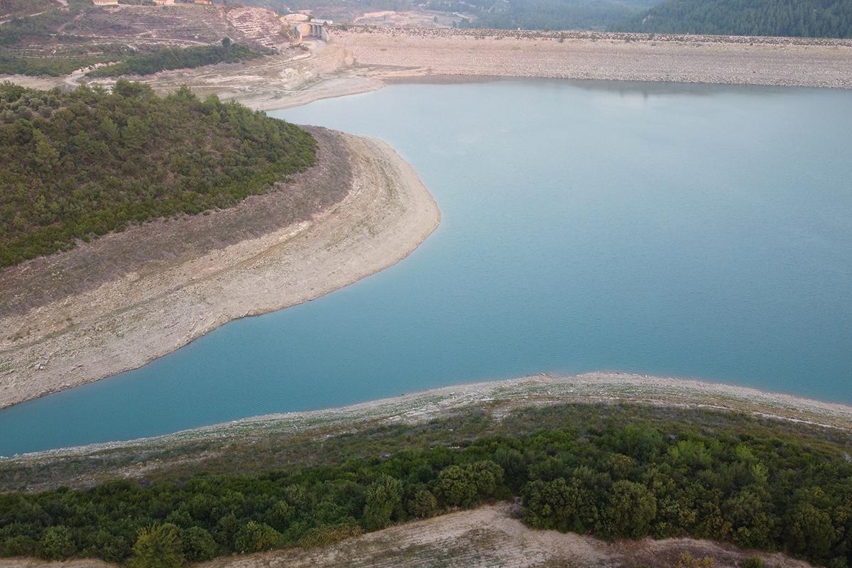 Suların çekildiği Mehmetli Barajı alarm veriyor