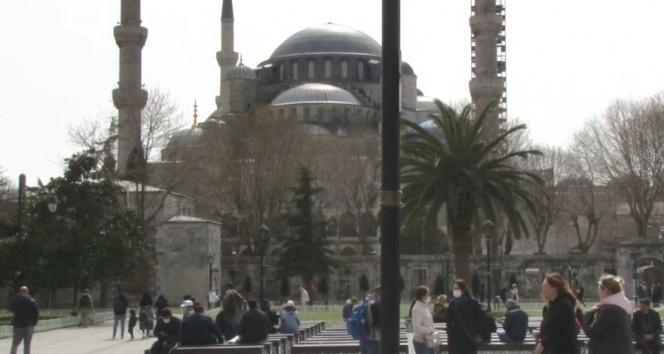 Sultanahmet çevresinde turist yoğunluğu