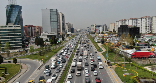 Tam kapanma öncesi İstanbul trafiğinde rekor seviye