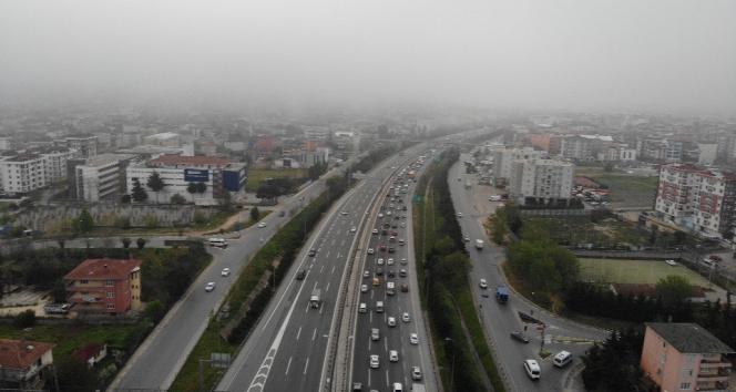 Tam kapanmanın başlamasına saatler kala İstanbul'da trafik yoğunluğu erken başladı