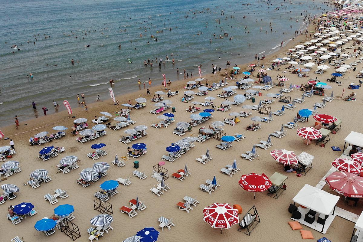 Tatil başladı, Şile plajları doldu taştı