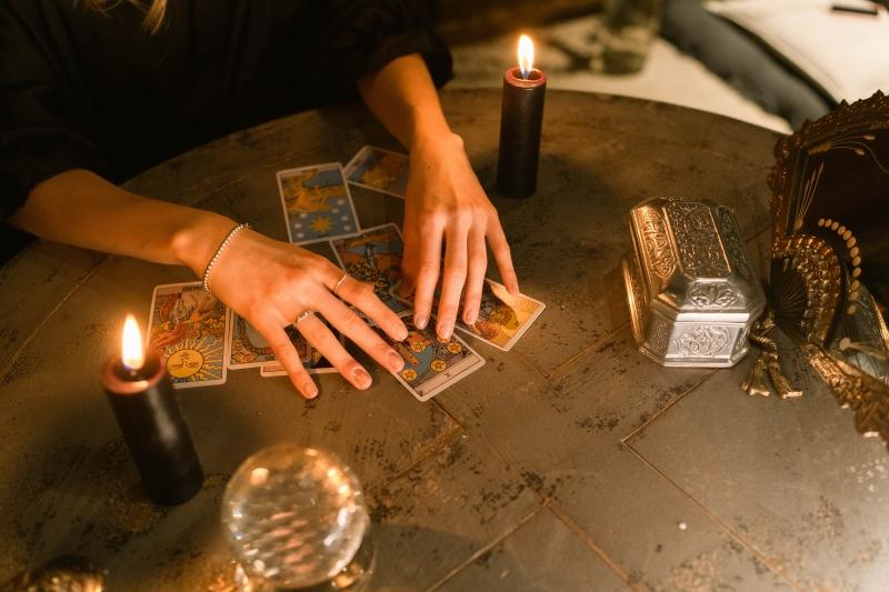 Tek Kart Tarot Falı Baktırma