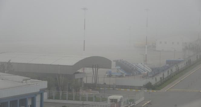 Trabzon'da hava ulaşımına sis engeli