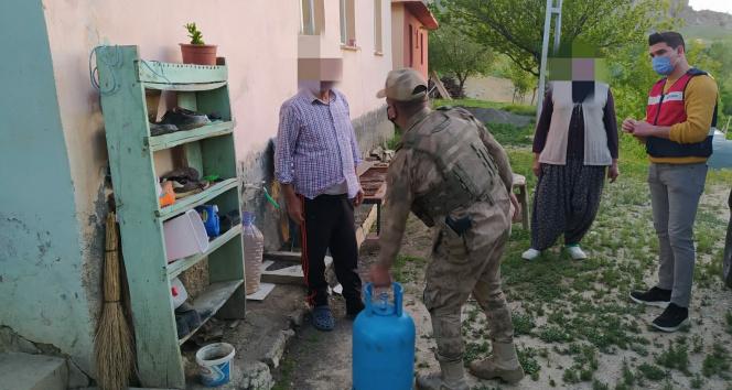 Tunceli'de Vefa ekipleri, 65 yaş üstü ve kronik hastalar için görevde