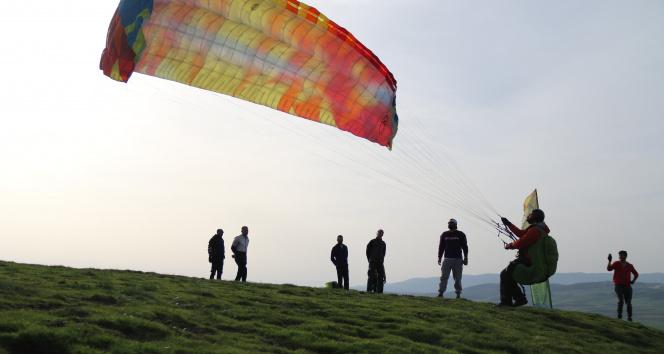 Turizm faaliyetlerine yeni soluk: 'Yamaç Paraşütü'