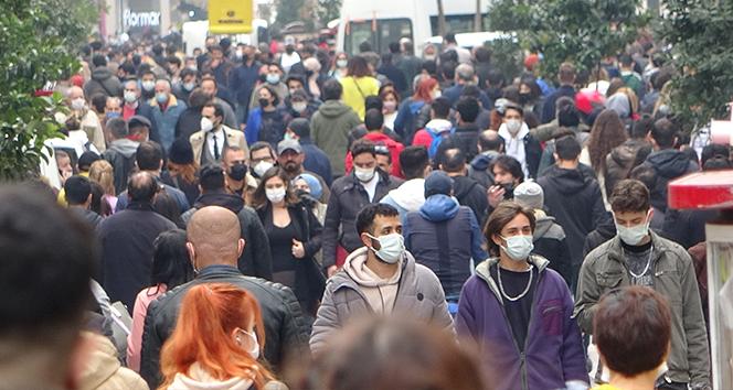 Türkiye'de son 24 saatte 22.216 koronavirüs vakası tespit edildi