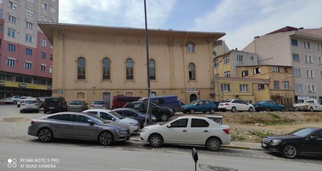 Üç asırlık caminin minaresi çimento kullanılmadan onarılıyor