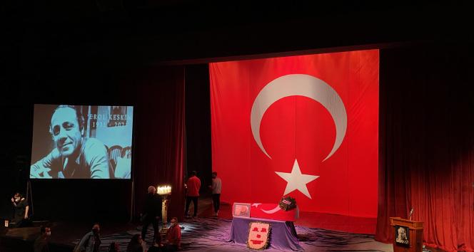 Usta sanatçı Erol Keskin için Harbiye Muhsin Ertuğrul Sahnesi'nde ilk tören düzenlendi