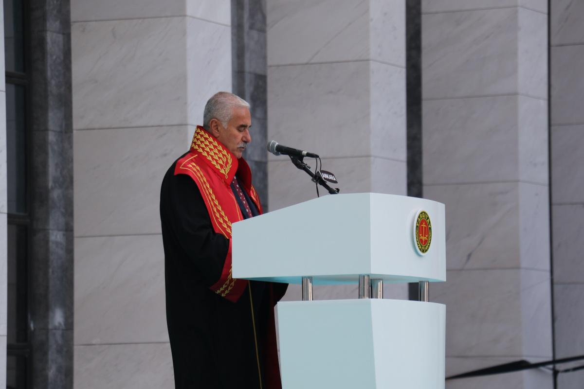 Yargıtay Başkanı Akarca: 'Anayasa, hukuk kültürümüzün mayası olmalıdır'
