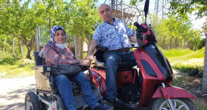 Yürüme engelli çift, zorlukların üstesinden gelerek 'sevgi engel tanımaz' diyor