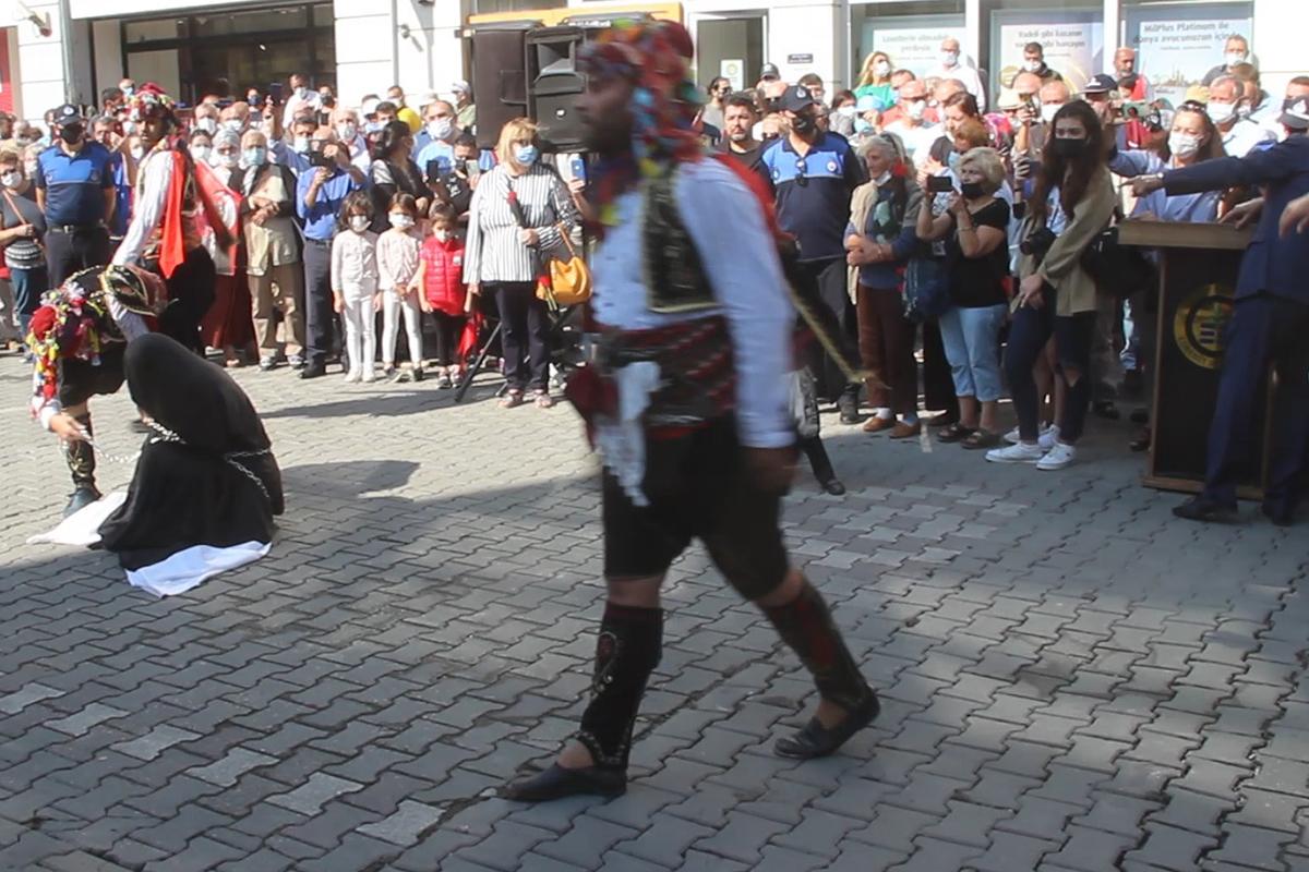 'Zincire vurulan kadın' soruşturmasında Edremit Kaymakamı Turgay Ünsal merkeze alındı
