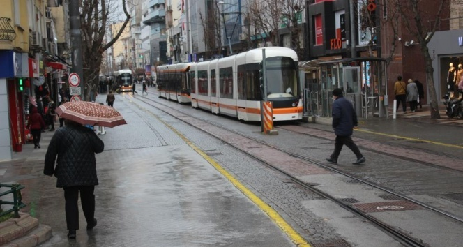 Eskişehir'de hava sıcaklı 14 derece birden düştü