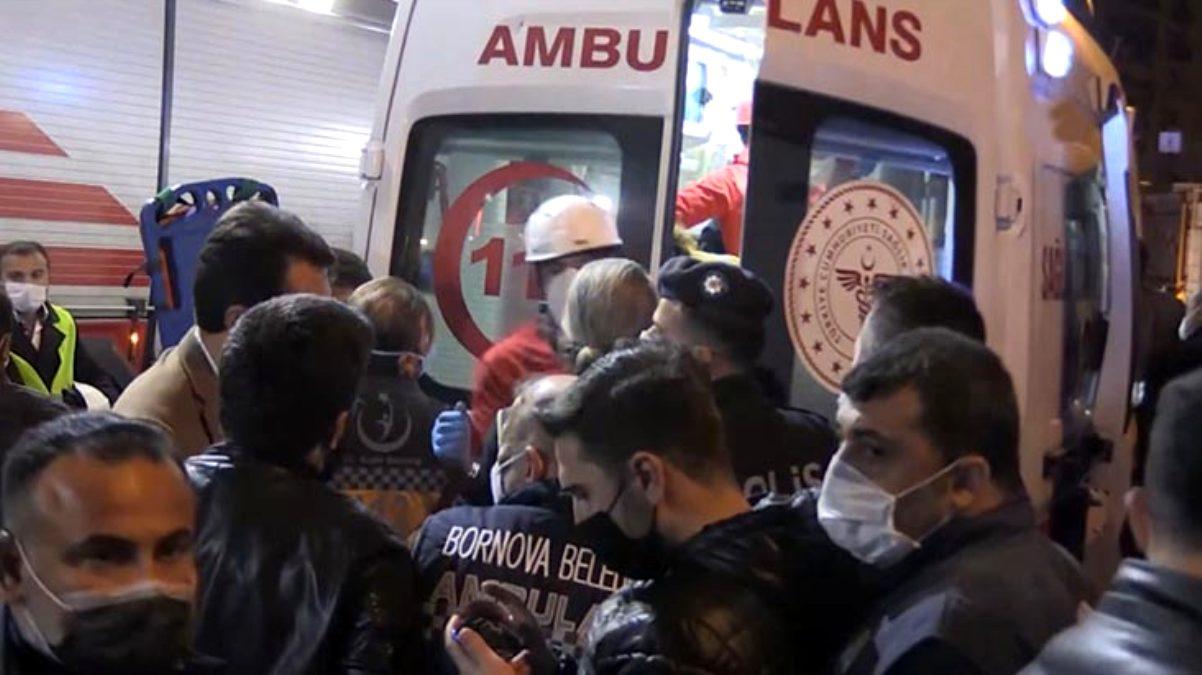İzmir'de bir kişi, 33 saat sonra enkaz altından yaralı olarak kurtarıldı