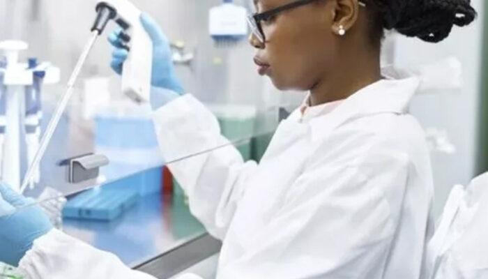 ABD'de Pfizer/BioNTech aşının ilk parti dağıtımına başlandı