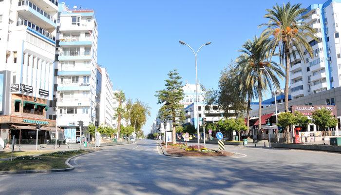 Antalya'da yasaklar yanlış anlaşıldı! Sokaklar boş kaldı