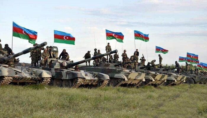 Azerbaycan ordusu 28 yıldır işgal altındaki Laçın'a girdi