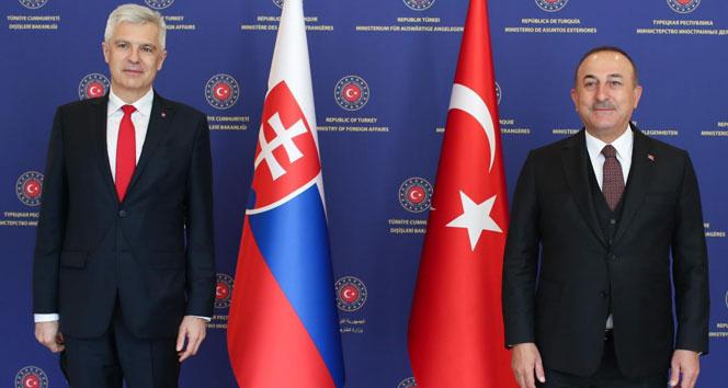 """Bakan Çavuşoğlu: """"PKK/YPG terör örgütü, Suriye'nin kuzeydoğusunda DEAŞ terör örgütünün yerini aldı"""""""