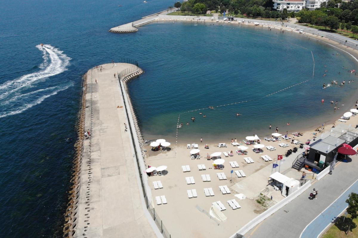 Bayram tatili başladı, Caddebostan Sahil ve plajı boş kaldı