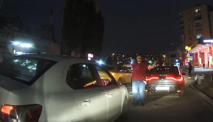 Beyoğlu'nda trafik zorbasına dayak! Kameralar anbean kaydetti