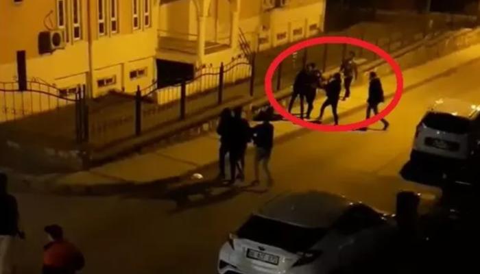 Bursa'da kısıtlamaya rağmen sokak ortasındaki kavga kamerada