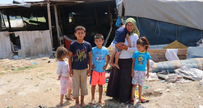 Çadırda yaşayan tarım işçisi aileye 7 bin lira su borcu
