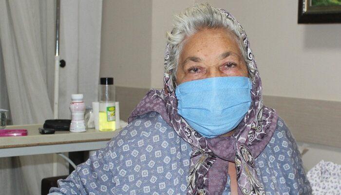 Çocukları ölüm haberini bekliyordu! 26 gün sonra koronavirüsü yendi