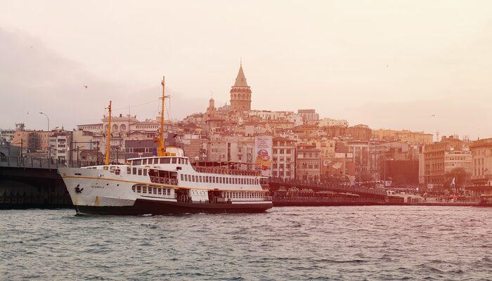 Duyduğunuz anda kendinizi İstanbul'da hissedeceğiniz semtlerine özel yazılan 9 şarkı!