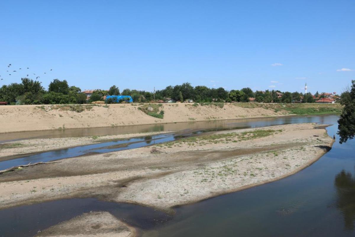 Edirne'de endişe veren görüntüler: Edirne'de kuraklık alarmı kum adacıkları oluştu