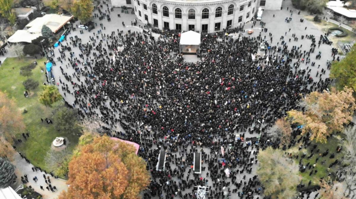 Ermenistan'da muhalifler harekete geçti! Protestolar büyüdü, Paşinyan'ın istifası isteniyor