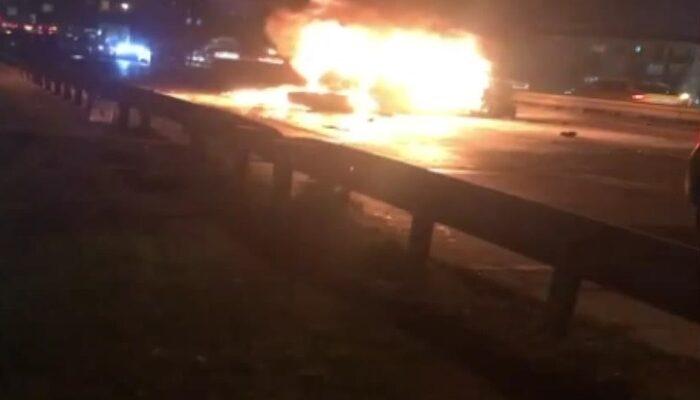 Esenyurt'ta zincirleme kaza: Otomobil yandı, 5 kişi yaralandı