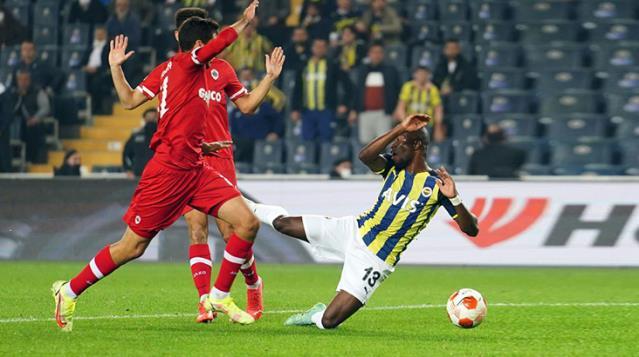 Fenerbahçe Evinde Oynadığı Antwerp Maçında 2 Puan Bıraktı