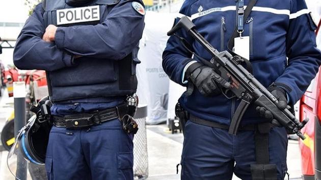 Fransa'da devlet adamlarına ölüm tehdidi!