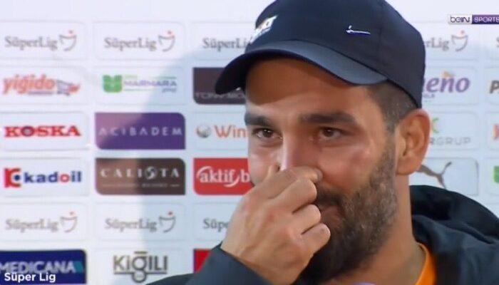 Galatasaray'da Arda Turan gözyaşlarını tutamadı! İşte o röportaj...