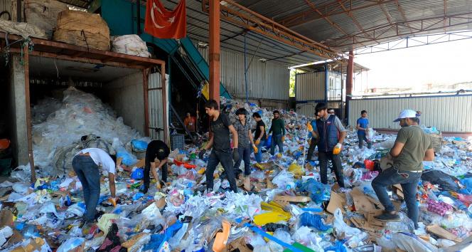 Geri dönüşümde 10 bin TL'lik ihracat ürünleri bulundu