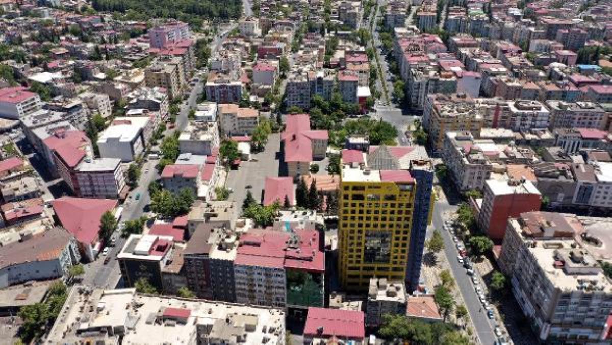 Güngör: 'Dünyanın en saçma binası'nın yıkımı bize ek maliyet getirmiyor