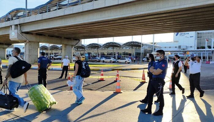 Havalimanında dehşete düşüren olay! Finlandiyalı turist, köprüden atlayarak intihar etti
