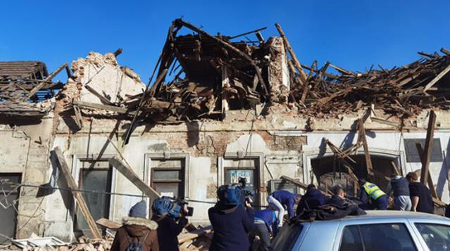 Hırvatistan'da 6,3 büyüklüğünde deprem! Çok sayıda bina yıkıldı