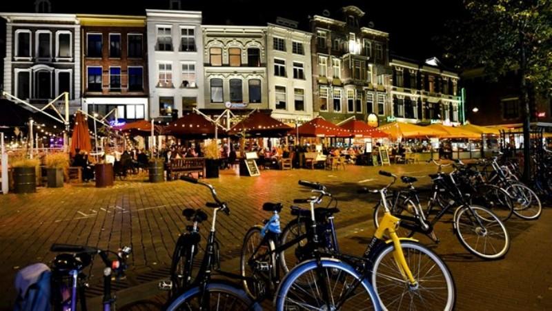 Hollanda'da vaka sayısı yüzde 32 düştü
