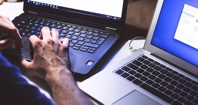 İş yeri bilgisayarını mesaide şahsi işleri için kullanmak ve sosyal paylaşım sitelerine girmek kovulma sebebi