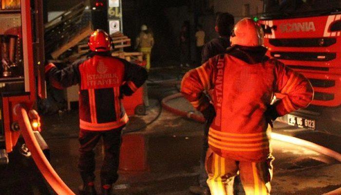 İstanbul'da otel inşaatında yangın: Çok sayıda ekip sevk edildi