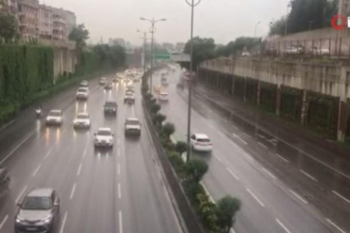 İstanbul güne yağmurla uyandı!