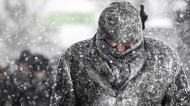 İstanbul için şiddetli kar uyarısı! Sıcaklıklar 15 derece birden düşecek, yağış cumartesi gecesi başlayacak
