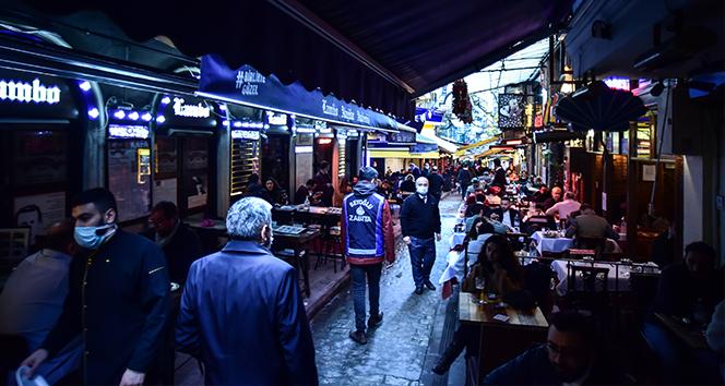 İstiklal Caddesi'nde korona virüs denetimi