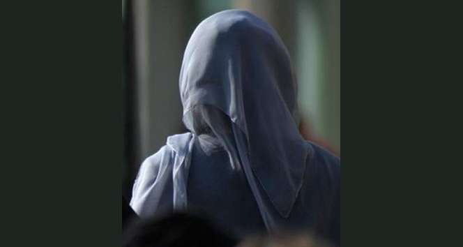 İzmir'de başörtülü öğrenciyi okula almayan yönetici ve öğretmen açığa alındı
