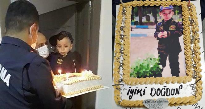 Jandarmadan, şehit oğluna sürpriz doğum günü