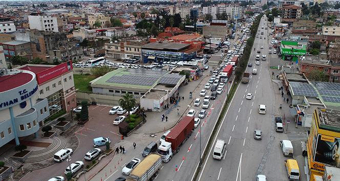 Köprü çalışması trafiği felç etti: 9 kilometrelik kuyruk oluştu