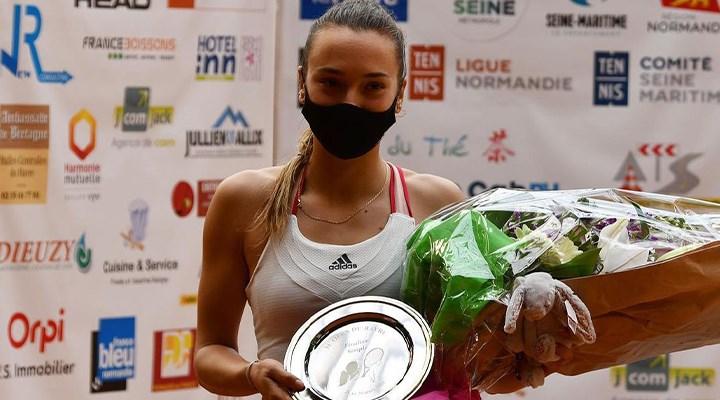 Maçı kaybeden tenisçiye ITF'den 2.25 euro'luk 'büyük' para ödülü: Bedava kahve için teşekkürler