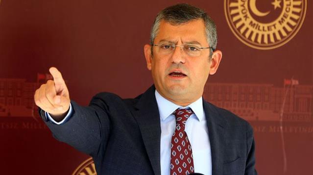 Özgür Özel, CHP'yi sarsan 3 istifanın detaylarını anlattı: Çok ileri ve şahsı talepleri vardı