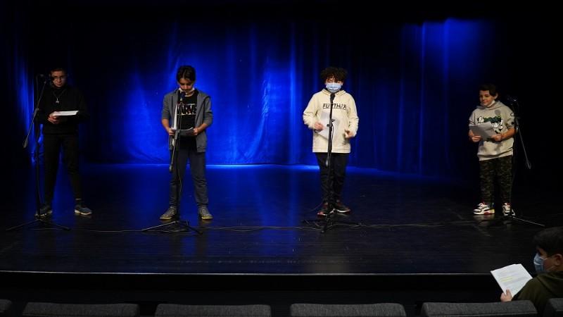 Radyo nostaljisi çocuk radyo tiyatrosu ile sürüyor