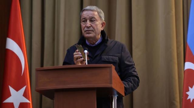 Son Dakika! Bakan Akar tüm salona dinletti! Askerlere seslenen Cumhurbaşkanı Erdoğan, Ermenistan'a gözdağı verdi